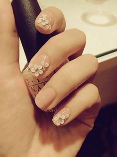 nail design idea for both brides and bridesmaids