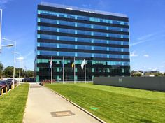 DTZ: Stocul modern de birouri din Bucuresti a atins 2 mil mp. OCTAGON va mai finaliza doua cladiri in 2014 http://octagonromania.blogspot.ro/2014/08/dtz-stocul-modern-de-birouri-din.html