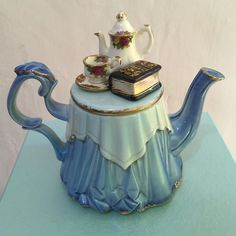 Very rare royal albert old country roses anniversary small teapot blue.