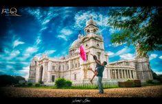 Fantastic pre-wedding photo shoot! Photo by PixQ, Kolkata #weddingnet #wedding #india #indian #indianwedding #weddingdresses #groomsmen #bridesmaids #prewedding #photoshoot #photoset #rainy #umbrella #together #warm #lovelymoments