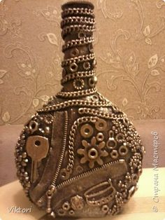 1 million+ Stunning Free Images to Use Anywhere Glass Bottle Crafts, Wine Bottle Art, Diy Bottle, Bottle Vase, Bottles And Jars, Glass Bottles, Beer Bottle, Jar Art, Altered Bottles