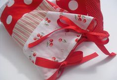 a pretty cool life.: Rice heating bag and removable cover (and all from scraps!)