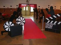 trendy Hollywood Sweet 16 party themes You are in the right place about Decoration art Here we o Dance Themes, Prom Themes, Hollywood Sweet 16, Hollywood Night, Hollywood Hills, Kino Party, Hollywood Decorations, Deco Cinema, Bollywood Theme Party