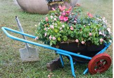 Check out these 27 wheelbarrow flower planters ideal for yard decoration. Antiques, DIY options and some creative ways to display flowers. Garden Spaces, Garden Tools, Wheelbarrow, Garden Tags, Large Flower Pots, Flower Planters, Flowers, Grden, Yard Decor
