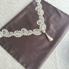 Fransız Dantelli Seccade Takımı | Füme Islamic Gifts, Ribbon, Pillows, Deco, Sewing, Knitting, Crochet, Bracelets, Silver