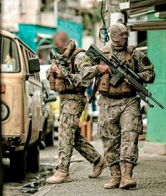 Guess the unit! Special Forces Gear, Military Special Forces, Green Beret, Military Pictures, Special Ops, Military Police, Navy Seals, Armed Forces, Future Soldier