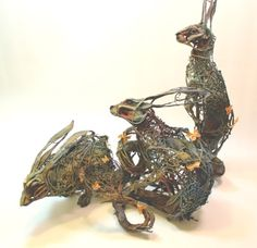 Ellen Jewett holds a degree in Anthropology and Fine Art, and comes from a background in medical illustration and exotic animal care. She has successfully married her interests in art and biology and now creates fantastical, sometimes grotesque and often absurd thought provoking sculptures.