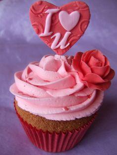 aww mum here you go! Tolle Cupcakes, Cupcakes Amor, Fancy Cupcakes, Wedding Cupcakes, Cupcake Cookies, Valentine Cupcakes, Winter Cupcakes, Crazy Cakes, Cakepops