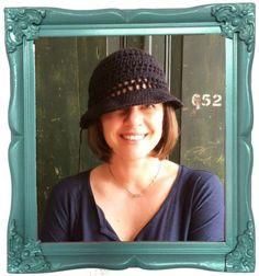 Stel of Haak-en-stekie shares about herself in this self-interview - love that #crochet hat!