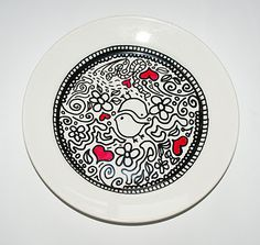 Doodling on a plate. Ceramic PaintingCeramic DesignCeramic PlatesSharpie ... & DIY sharpie plate | Dining Room | Pinterest | Sharpie plates ...