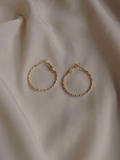 Gabi The Label is an independent, contemporary fashion brand launched in We curate modern, minimal pieces with a romantic flair. Ear Jewelry, Jewelry Accessories, Fashion Accessories, Fashion Jewelry, Jewelry Design, Jewlery, Simple Jewelry, Dainty Jewelry, Cute Jewelry