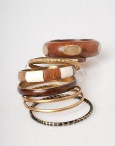 1.2.3 Paris - Les accessoires automne-hiver 2015 - Lot de 9 bracelets ethniques Xel 29€ #123paris #mode #fashion #accessoire #accessories #gold #dore #brown #marron #bijou #jewel