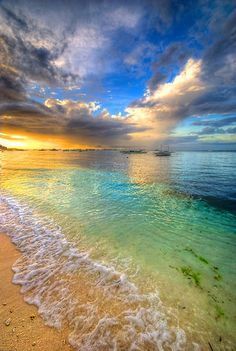 aaahhh... what a beautiful photo, the colors are so WOW!  Panglao Island.  Bohol, Philippines.