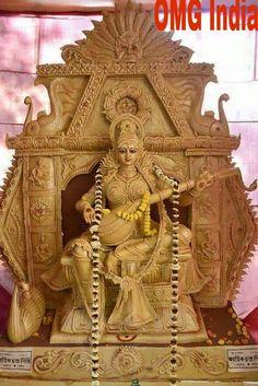 Protects from dangers, removes obstacles and sees that all problems vanish from your life Saraswati Murti, Durga Ji, Saraswati Statue, Saraswati Goddess, Maa Durga Photo, Maa Durga Image, Kali Hindu, Hindu Art, Hanuman Ji Wallpapers