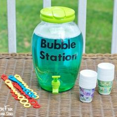 Do it yourself bubble station.how fun! Rubble loves his bubble bath paw patrol party Bubble Birthday Parties, Spongebob Birthday Party, Bubble Party, Bubble Guppies Birthday, Birthday Fun, Birthday Ideas, Moana Birthday, Spongebob Party Ideas, Water Birthday