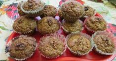 diós muffin – Google Kereső Raisin Muffins, Cream Cheese Coffee Cake, Recipe Makeovers, Recipe Center, Cooking Oatmeal, Good Healthy Recipes, Healthy Snacks, Unsweetened Applesauce, Tasty
