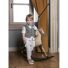 Κουστουμάκι βάπτισης Dolce Bambini οικονομικό-ολοκληρωμένο σετ με παντελόνι, τιράντες, πουκάμισο, γιλέκο, παπιγιόν και καπελάκι, Βαπτιστικό κουστουμάκι μοντέρνο-επώνυμο-τιμές eshop, Βαπτιστικά ρούχα για αγόρι προσφορά, Dolce Bambini eshop βαπτιστικά ρούχα