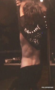 GUYS SERIOUSLY THOUGH IMAGINE ASHTON GIVING YOU A STRIP TEASE THOUGH WHY DO I DO THIS TO MYSELF AHHH