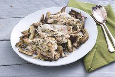 La cernia al forno con carciofi è un secondo di pesce gustoso ed equilibrato, insaporito con un'emulsione al profumo di limone ed erbe aromatiche!