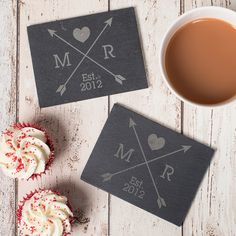 personalised set of 2 slate coasters love arrows gettingpersonalcouk