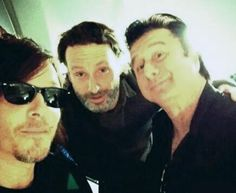 Cool Norman Reedus and Andrew Lincoln from the Walking Dead with Steve Perry Geek Girls, Guys And Girls, Steven Ray, Journey Steve Perry, Ray Ban Men, Hot Actors, Andrew Lincoln, Daryl Dixon, Interesting Faces