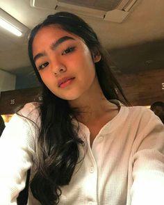 Filipino Girl, Filipina Actress, Home Studio Photography, Beautiful Young Lady, Ulzzang Girl, Selfie Poses, Cute Faces, My Idol, Hair Inspo