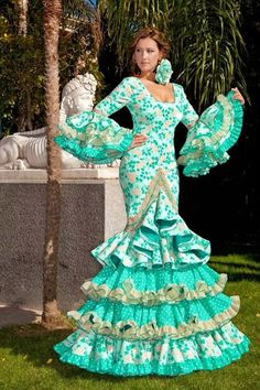 Flamenca Flamenco Costume, Flamenco Dancers, Flamenco Dresses, Spanish Dress, Spanish Dancer, Mardi Gras Costumes, Trumpet Skirt, Blue And White Dress, Yes To The Dress