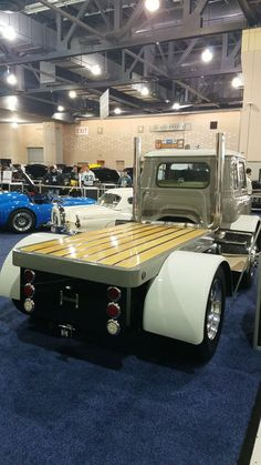 Folks, I saw this picture and wanted to share it with the IH forum. Phily car show this past weekend. Truck Flatbeds, Dually Trucks, Chevy Pickup Trucks, Peterbilt Trucks, Big Rig Trucks, Mini Trucks, Hot Rod Trucks, Chevy Pickups, Truck Bed
