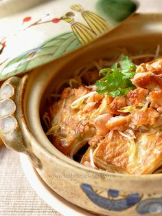 Chinese Clay pot recipes with photos | Clay Pot Tofu with Homemade Salted Salmon and Bean Sprouts