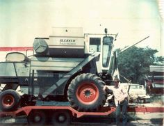 Another Gleaner G combine.  Great machines, they were.