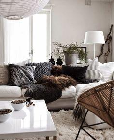 Boho modern trendy black and white classic chic apartment home living room decor… My Living Room, Home And Living, Living Room Decor, Living Spaces, Cozy Living, Dining Room, Living Area, Decoration Inspiration, Interior Inspiration