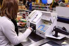 Lazio: Quattro #nomadi ed una cassiera complice: così truffavano un supermercato di Roma (link: http://ift.tt/2nMdGPB )