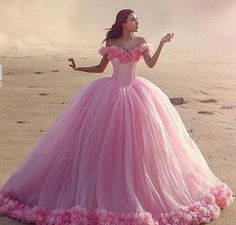 Why do I love this dress so much. It's so so Disney Princess. Wish I knew the designer.