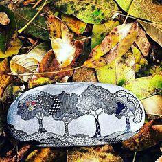 #taşboyama #tasarim #stones #sipariş #design #dekorasyon #decoration #unique #handmade #istanbul #art #instadecor #instastyle #instastoners #instafollow #takip #turkinstagram  #contact #instadaily #instaphoto #photooftheday  #vscocam #agac #orman #forest #designer #tree #ink