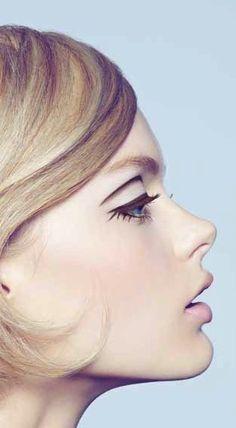 SPUR December 2014 Twiggy makeup look 60s Makeup And Hair, 1960s Makeup, Retro Makeup, Vintage Makeup, Makeup Art, Twiggy Makeup, Vogue Makeup, Makeup Eyes, Beauty Make Up