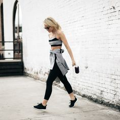 See What 6 Minimalist Bloggers Wear To Work Out