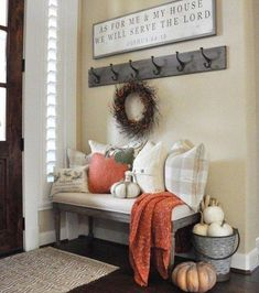 Are you searching for inspiration for farmhouse living room? Browse around this site for very best farmhouse living room ideas. This particular farmhouse living room ideas looks completely terrific. Decor, Farm House Living Room, Living Room Designs, Living Decor, Entryway Decor, Country Style Homes, Room Design, Home Decor Tips, Country House Decor