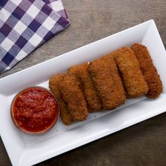 Not your typical mozzarella sticks 👀 I Love Food, Good Food, Yummy Food, Meat Recipes, Cooking Recipes, Mozzarella Sticks, Snacks, Creative Food, Food Porn