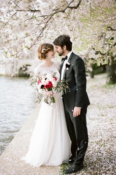 Washington DC Cherry Blossom Elopement Inspiration Inspired by the beautiful blooming cherry trees of Washington, DC, this elopement inspiration photo shoot is classic and timeless. Whimsical Wedding Inspiration, Elopement Inspiration, Wedding Photo Inspiration, Elopement Ideas, Brand Inspiration, Wedding Car, Wedding Shoot, Wedding Dresses, Spring Wedding