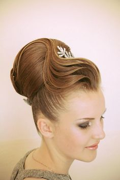 Hair by Farrux Shamuratov. Glamorous and sculptural - pin it by carden