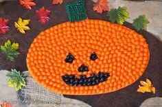 Lavoretti di Halloween: come fare una zucca con la pasta