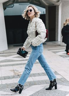 by Sania Claus Demina We can't believe August is already over! We're giving September a warm welcome with a list of 30 stylish outfits to be inspired by throughout the entire month. Which look is your