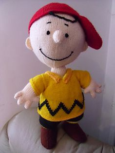 INSPIRED BY CHARLIE BROWN AND THE PEANUTS GANG – 10 FREE PATTERNS TO KNIT