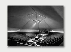 North Christian Church Sanctuary, Columbus, Indiana. Eero Saarinen, architect.