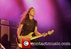 Nuno Bettencourt, Extreme, Manchester Academy (Friday July - I love his hair blowing in the wind/fan!