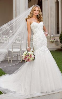 Wedding Simple Dress 2016 Stella York Garden Wedding Dresses With Free Veil Sweetheart Neck Appliqued Sequins Tulle Fit And Flare Bridal Gowns With Long Train Lace Vintage Wedding Dresses From Nicedressonline, $195.82| Dhgate.Com