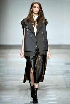 Topshop Unique | Fall 2012 Ready-to-Wear Collection | Vogue Runway