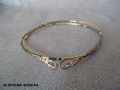 NOUVEAUTÉ Bracelet minimaliste en perles Miyuki delicas Doré et vert Plaqué Or Minimalisme Bohochic Bohemian Bohostyle : Bracelet par m-comme-maryna