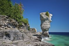 It's time for an Ontario road trip! - 14 Surreal Places In Ontario You Won't Believe Really Exist Prince Edward County Ontario, Oh The Places You'll Go, Places To Visit, Flowerpot Island, Canada Summer, Ontario Travel, British Countryside, Holiday Places, Canada Travel
