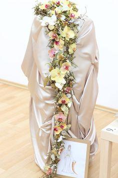 ✿ Flower Arrangements, Victoria, Flowers, Floral Arrangements, Royal Icing Flowers, Flower, Florals, Floral, Blossoms